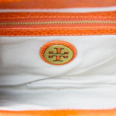 leva clutch orange