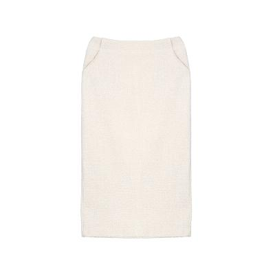 back slit simple skirt white