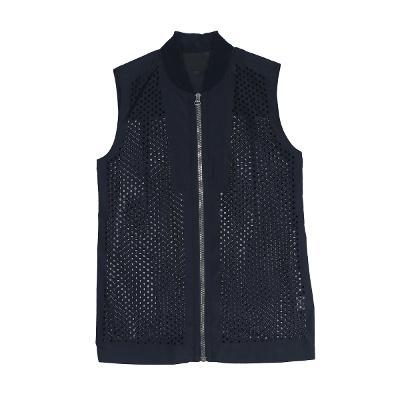 punching zip-up vest black