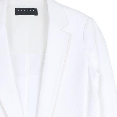 color pointed jacket white